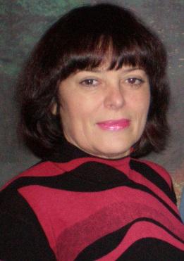 Волотовська Олена Григорівна, керівник вокального гурту «Сузір'я».