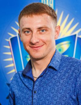 Пронь Ігор Григорович, вихователь гуртожитку.
